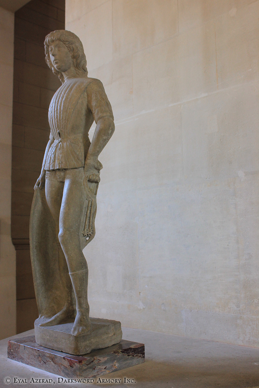 The Louvre Museum Statue-6