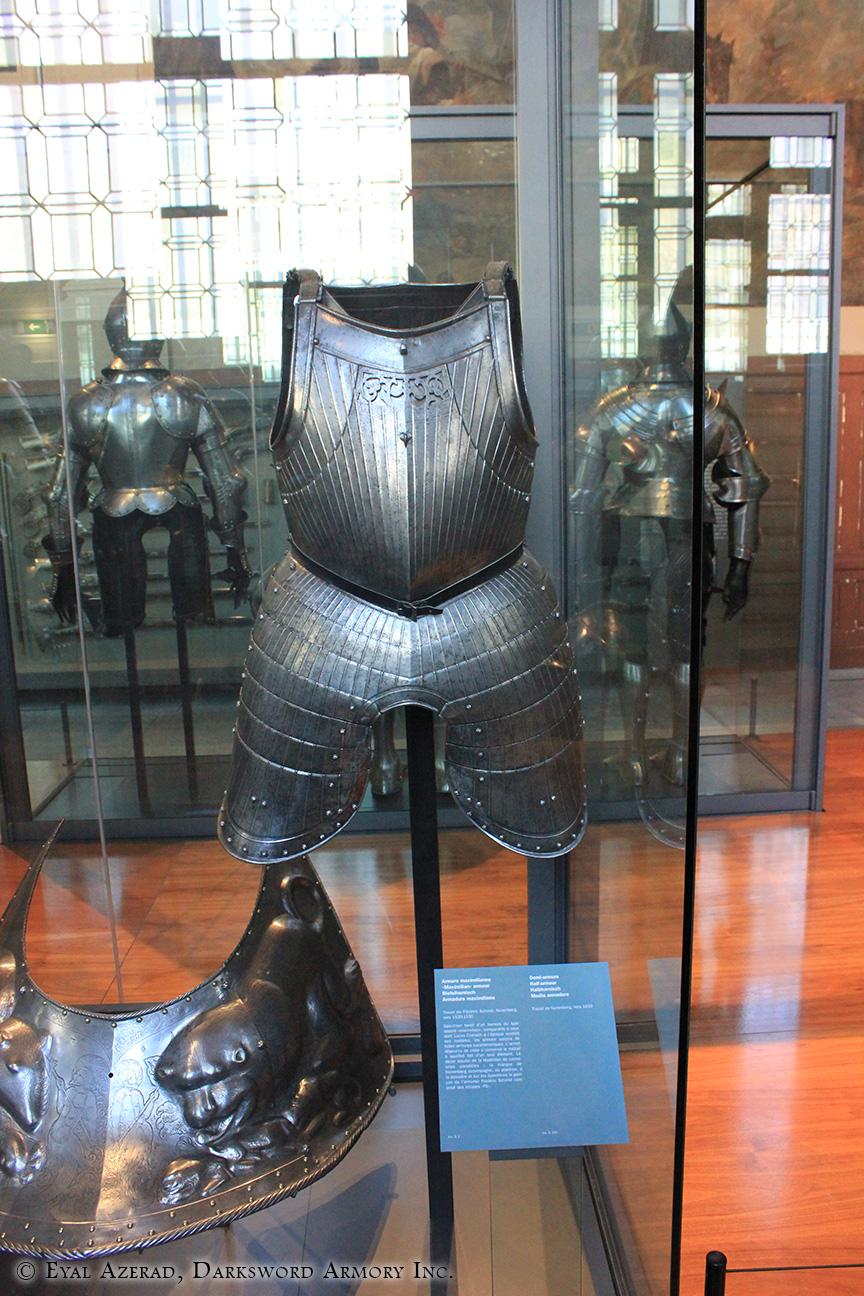 medieval armor statue dress4