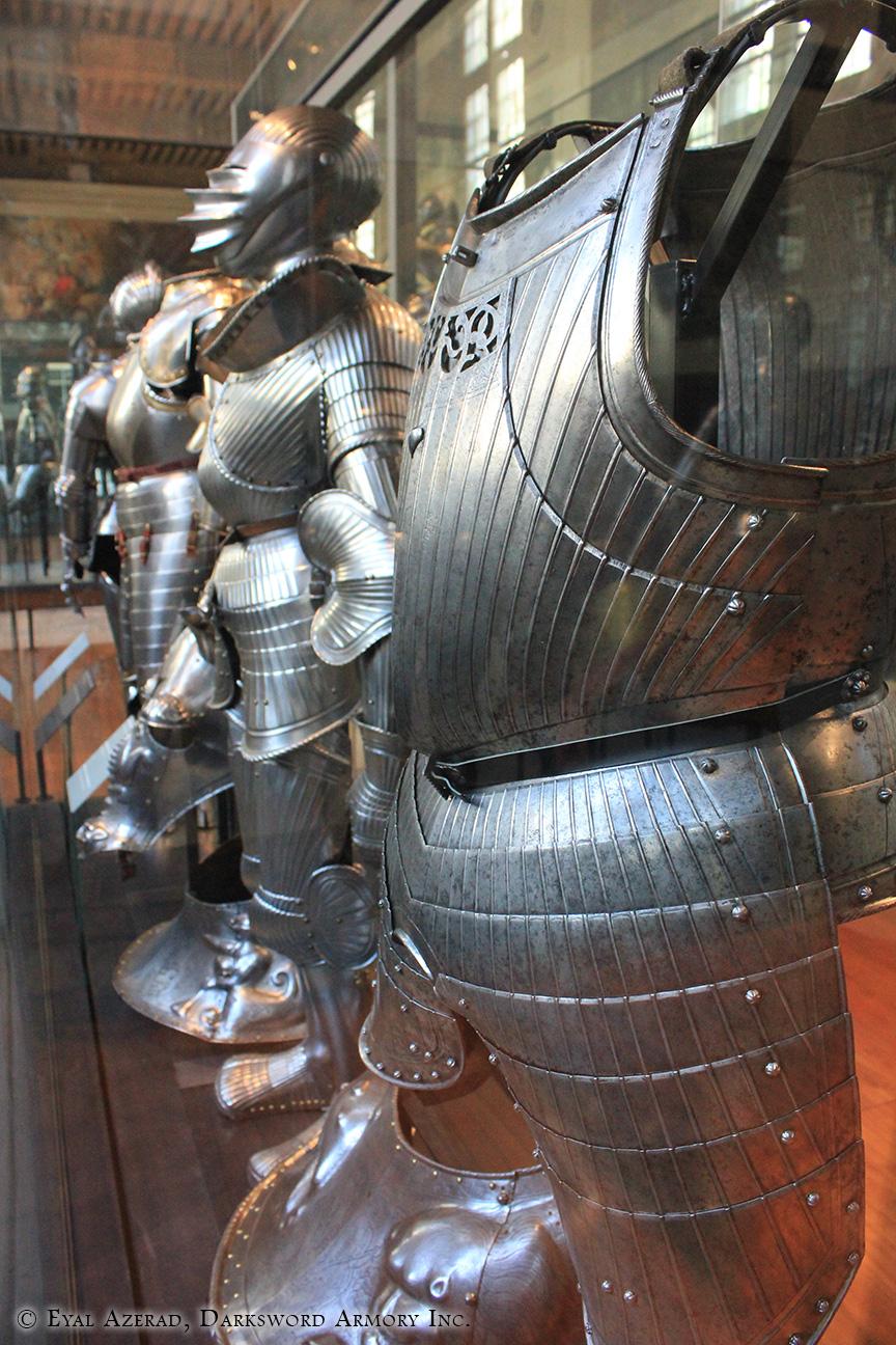 medieval armor statue dress5