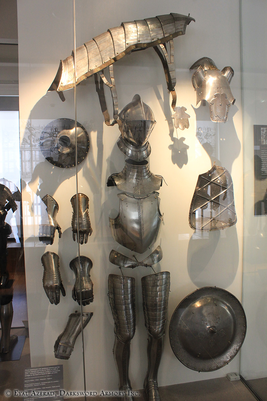 Medieval Armor Statue Body Parts