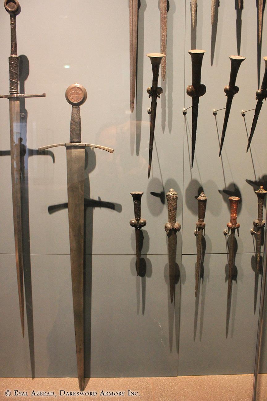display swords armor-5