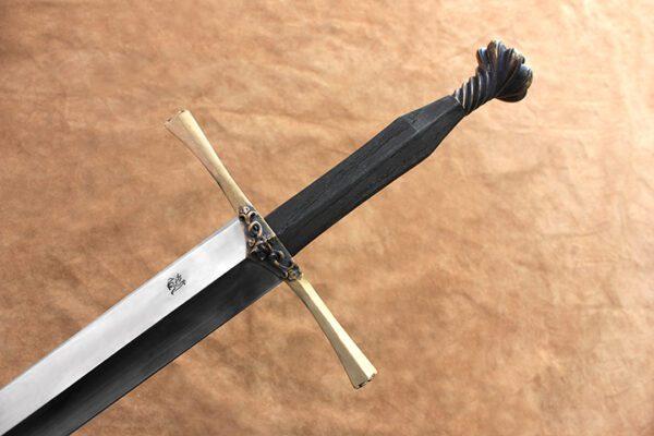 1322-sovereign-medieval-sword