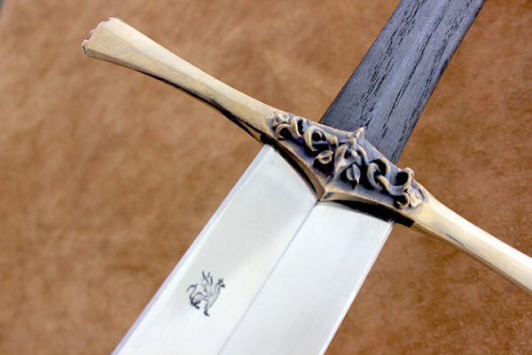 1322-medieval-sword-guard-detail