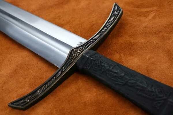 the-wolfsbane-norse-medieval-viking-longsword-medieval-weapon-1544-guar-2