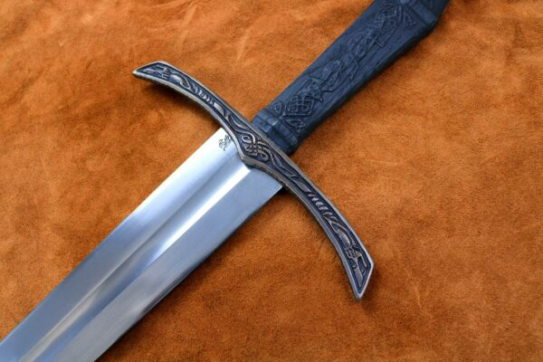 the-wolfsbane-norse-medieval-viking-longsword-medieval-weapon-1544-hilt-2