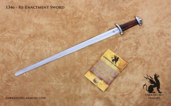 hema-student-practice-sword