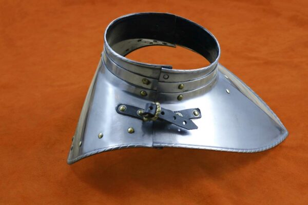 medieval-armor-bevor-darksword-armory-2