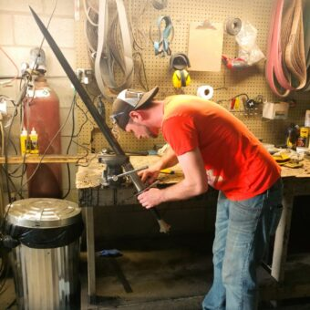 two-handed-longsword-medieval-sword-assembly