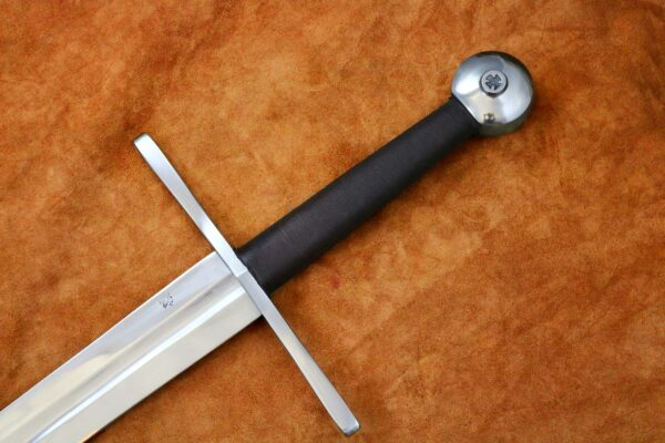 14th-century-two-handed-templar-sword-medieval-weapon-1339-hilt-blade