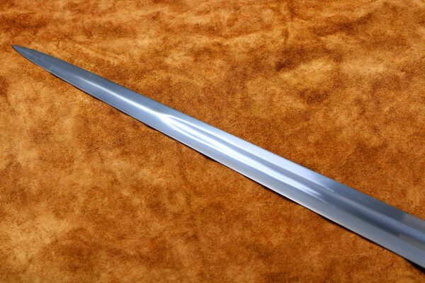 15th-century-hand-and-a-half-sword-medieval-weapon-1537-blade