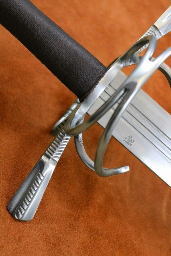 16th-century-two-handed-zweihander-basket-medieval-weapon-1535-grip-2