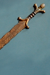 anthropomorphic-celtic-sword-museum