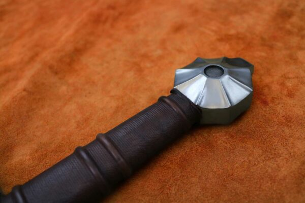black-knight-medieval-sword-1312-medieval-weapon-hilt-2