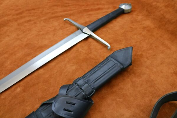 black-prince-sword-medieval-weapon-1326