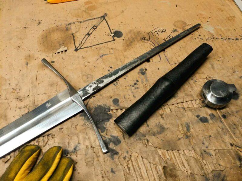 darksword-armory-medieval-knight-bastard-sword-full-tang-bare-blade-1329
