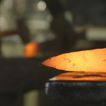 forging-sword-medieval-weapon-black-prince-tip