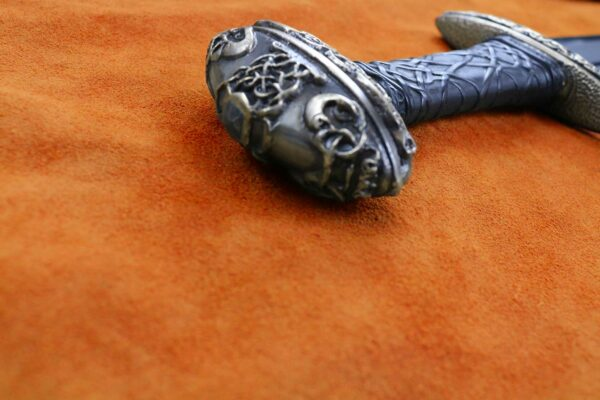 the-einar-medieval-viking-sword-medieval-weapon-1338-pommel