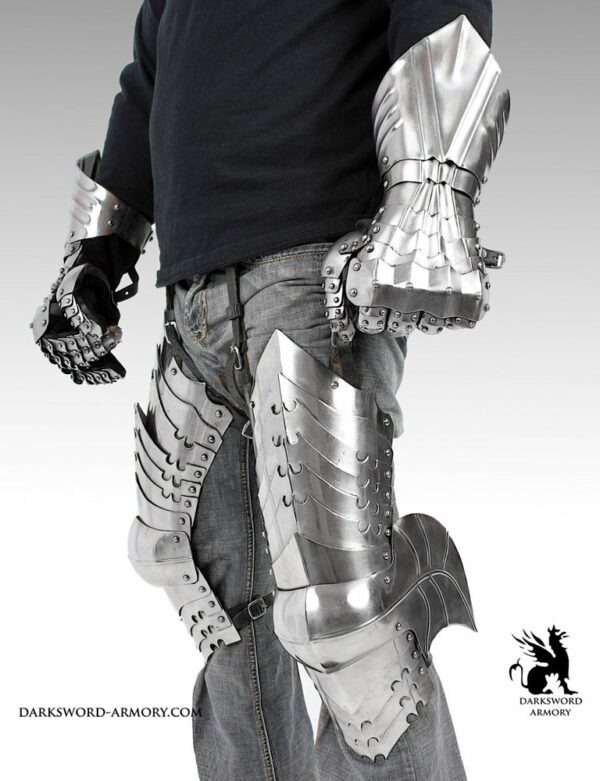1709-lord-of-the-rings-leg-armor-2