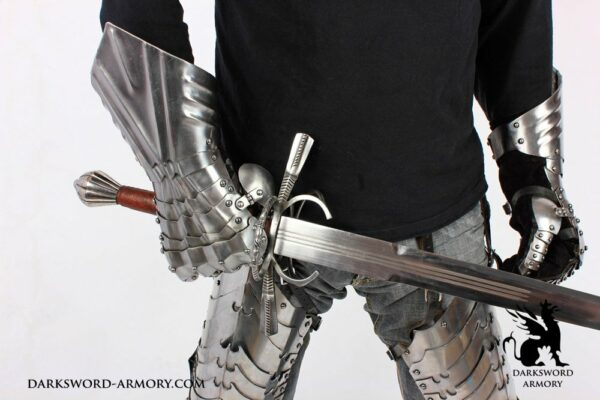 1709-lord-of-the-rings-leg-armor