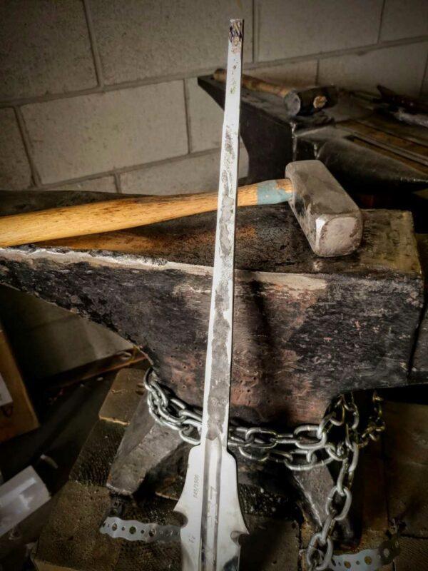 warmonger-full-tang-sword-darksword-armory