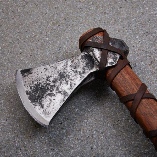 viking-axe-gotland-jonasson-1751-head