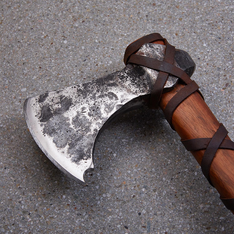 gotland schlausser viking axe 1752 darksword armory
