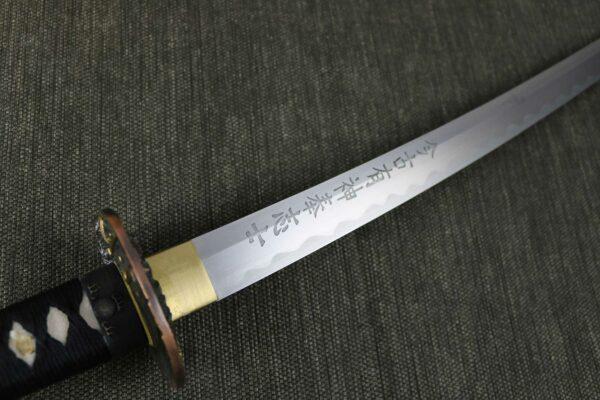 wakizashi-katana-blade-hilt
