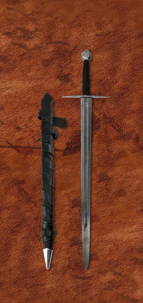 damascus-two-handed-templar-elite-sword-1605-scabbard