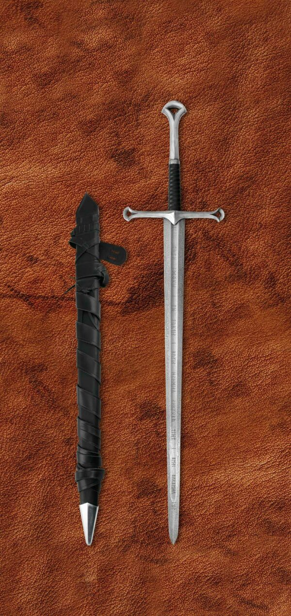 the-damascus-anduril-lord-of-the-rings-sword-lotr-1603-scabbard