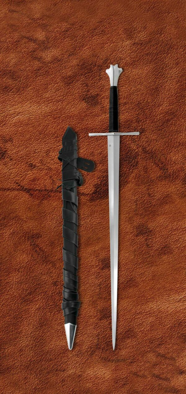 two-handed-gothic-medieval-sword-1332-scabbard