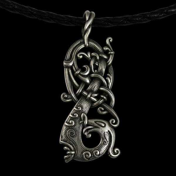ladon-pendant-black-background-4042-jewelry