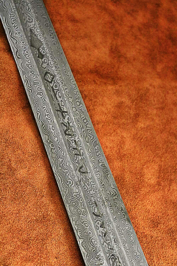 warmonger-elite-1616-damascus-steel-medieval-sword-4