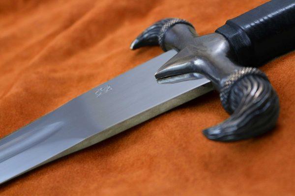erland-sword-medieval-sweapon-1547-blade-profile