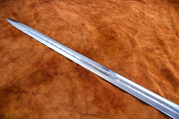 erland-sword-medieval-sweapon-1547-blade-tip
