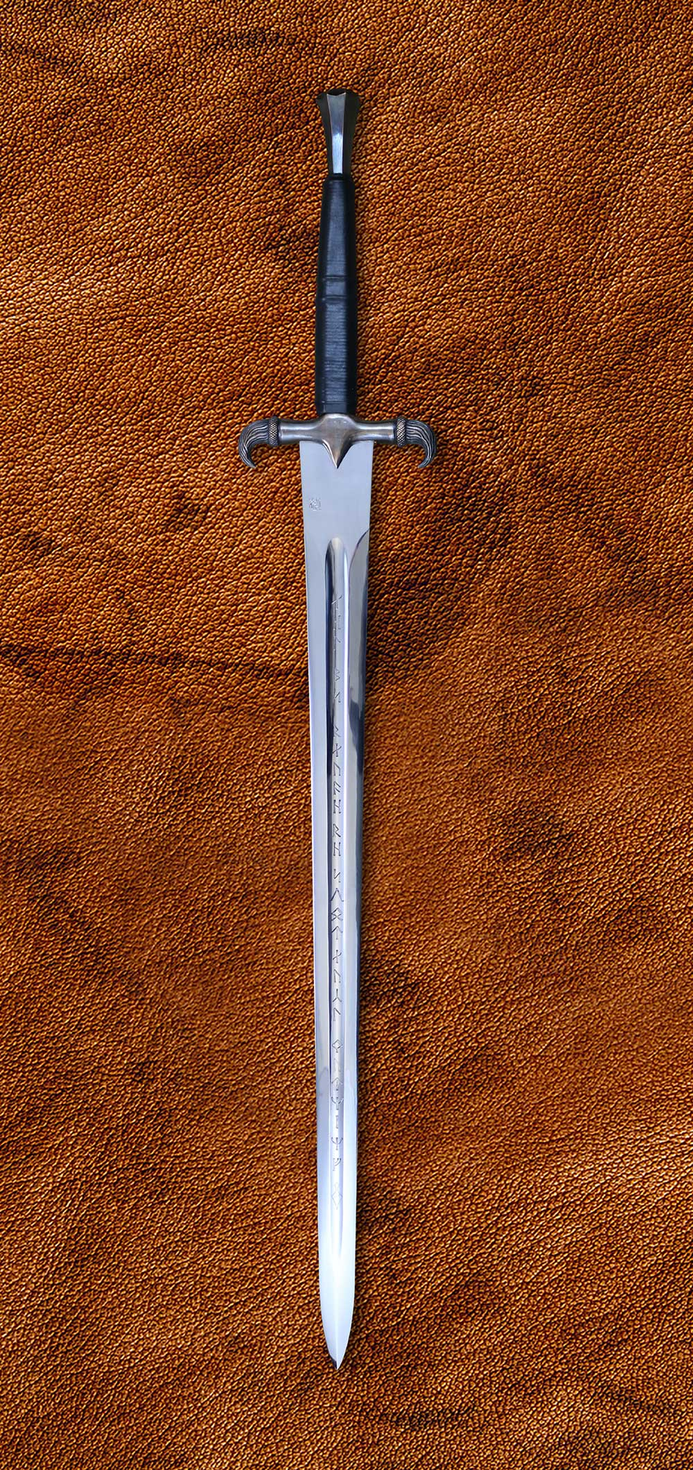 The Erland Sword (#1547) - Darksword Armory