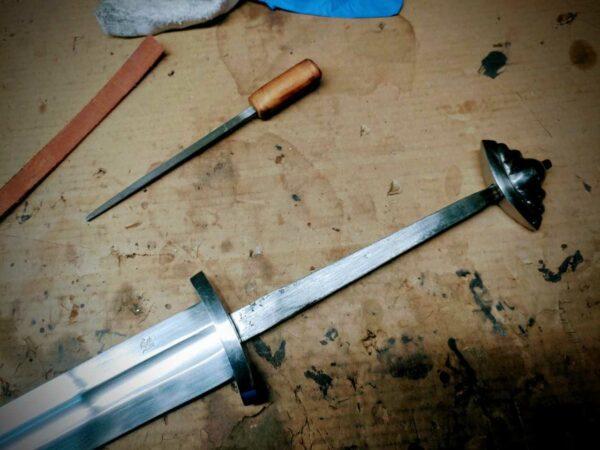 two-handed-five-lobe-guardlan-tang-sword-unassembled-1342