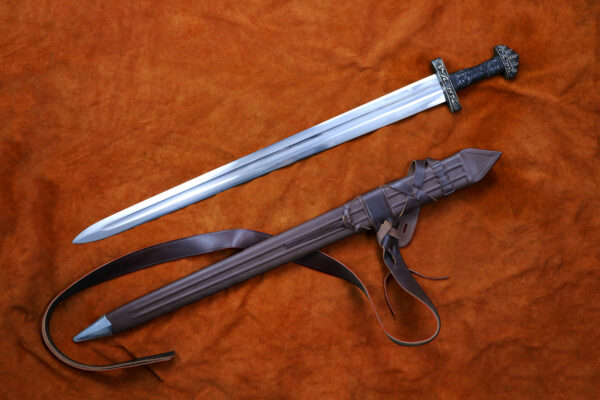 oslo-medieval-sword-weapon-blade-1308-darksword-armory-3