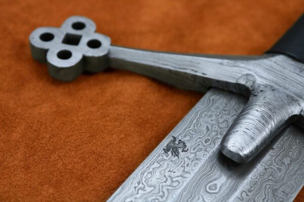 damascus-steel-scottish-claymore-sword-medieval-weapon-elite-series-1619-7