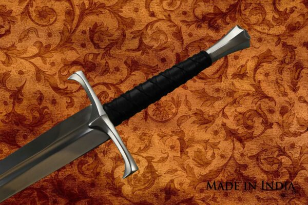 made-in-india-replica-hand-and-a-half-sword-viscount-1