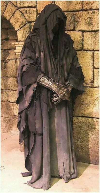 nazgul-lord-of-the-rings-gauntlets-fantasy