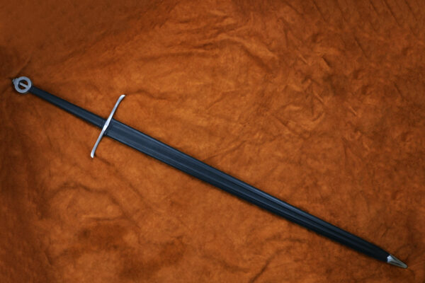the-sword-of-the-mountain-game-of-thrones-got-darksword-armory-in-scabbard-2