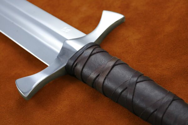 custom-2h-five-lobe-sword-1