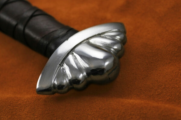 custom-2h-five-lobe-sword