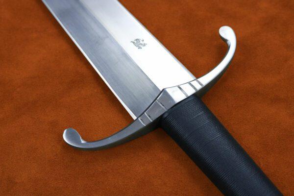 henry-v-exclusive-sword-1