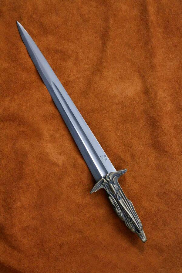 mourner-dagger-medieval-weapon-4
