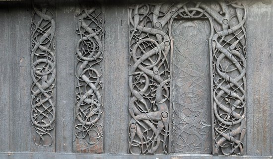 thumbnail_urnes-stave-church-carved