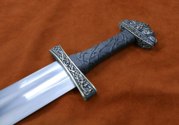 urnes-stave-viking-sword-medieval-weapon-1526-darksword-armory
