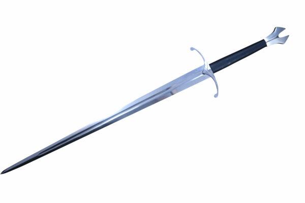 gothic-hand-half-sword-4
