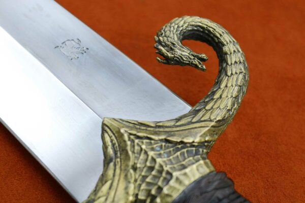 mother-of-dragons-medieval-sword-game-of-thrones-got-5