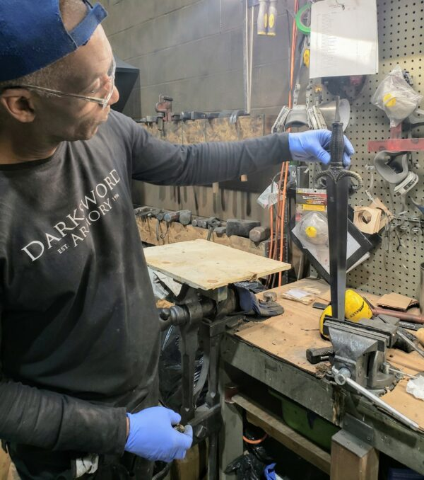 mother-of-dragons-sword-peened-construction-tang-assembly